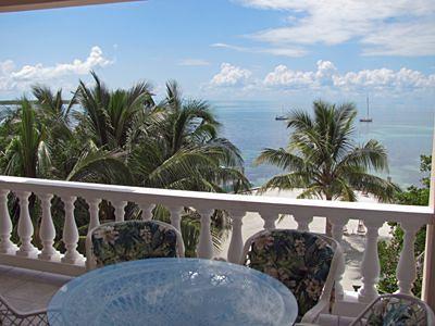 Iguana Reef Inn