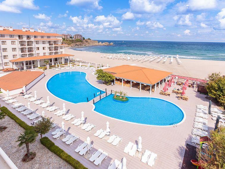 Beachclub Serenity Bay