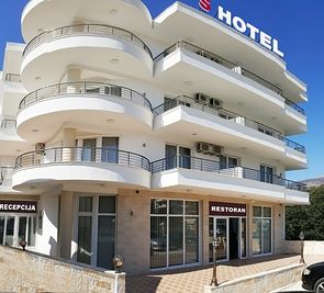 Hotel S Mujanovic