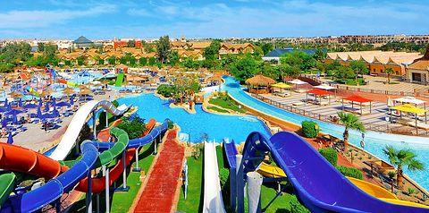 teren hotelu, basen, aquapark, zjeżdżalnia