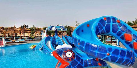 teren hotelu, basen, aquapark, zjeżdżalnia, brodzik