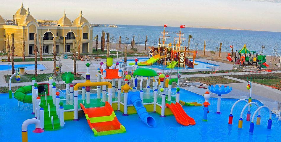 obiekt, teren hotelu, basen, aquapark, zjeżdżalnia, dla dzieci, sport i rekreacja, rozrywka, plaża