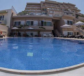 Archipelagos Hotel RTH