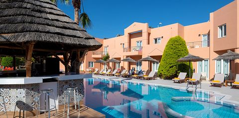 obiekt, teren hotelu, basen, pool bar