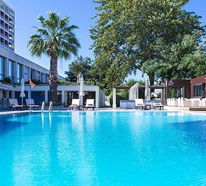 Classical Makedonia Palace
