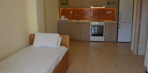 pokój, kuchnia / aneks kuchenny