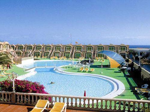 Club Horizonte Bay