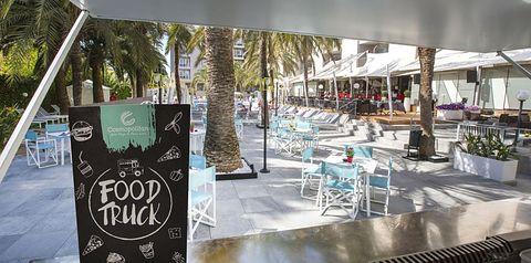 beach bar, drink bar, pool bar