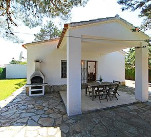 Dom Cornelia Pucho