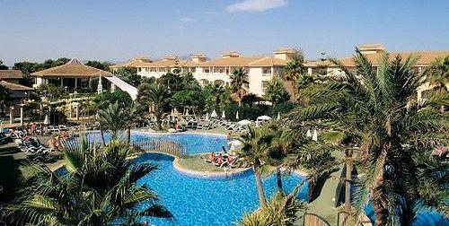 basen, otoczenie hotelu