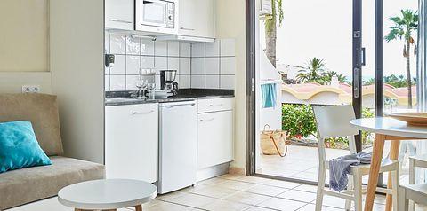 kuchnia / aneks kuchenny, balkon / taras