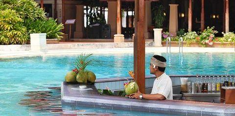 basen, pool bar