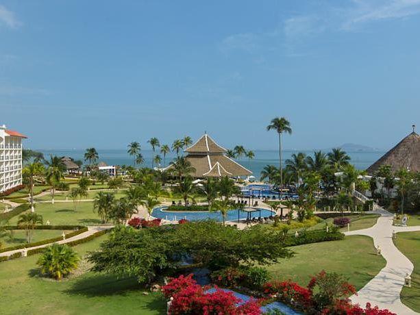 Secrets Playa Bonita Resort & Spa