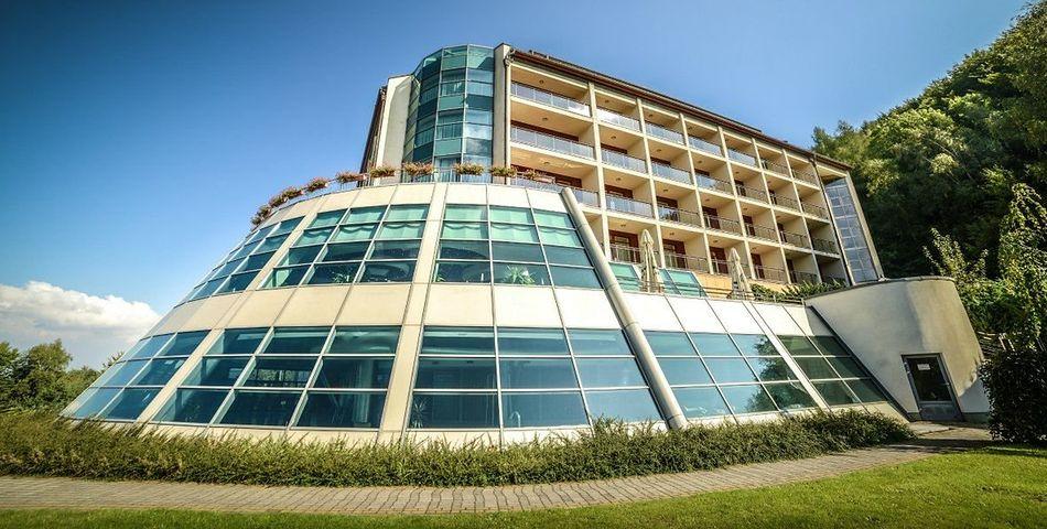 obiekt, budynek główny, teren hotelu