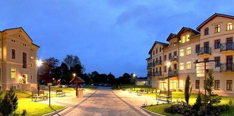 obiekt, budynek główny, teren hotelu, zwiedzanie