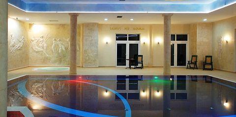 teren hotelu, basen, rozrywka