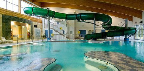 budynek główny, teren hotelu, basen, aquapark, zjeżdżalnia, dla dzieci, plac zabaw, sport i rekreacja, rozrywka