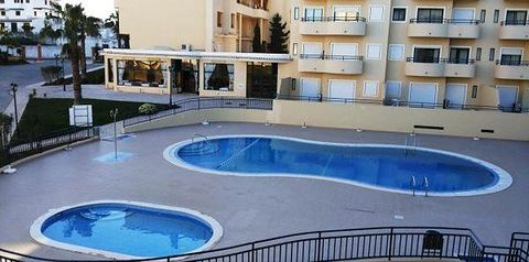 budynek główny, teren hotelu, basen