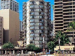 Aston Waikiki Circle