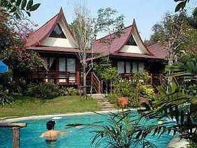 Baan Duangaew Resort