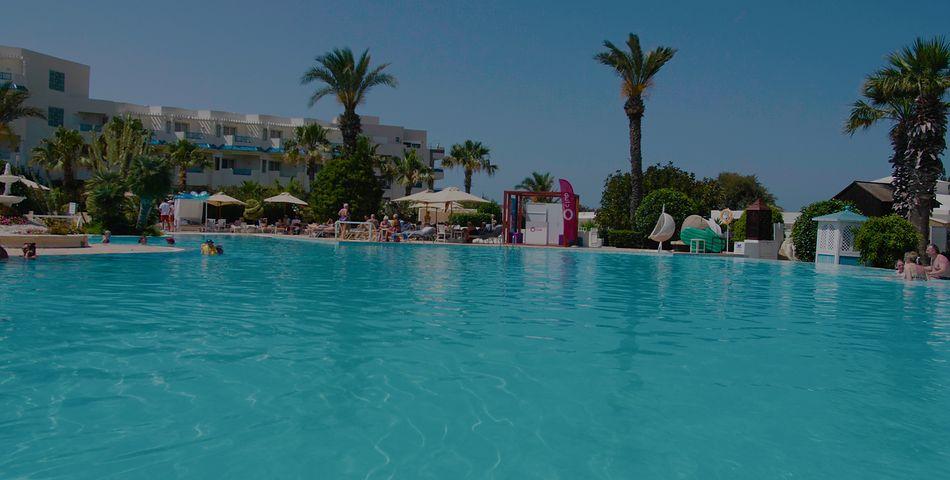 teren hotelu, basen, wakacjepl, video