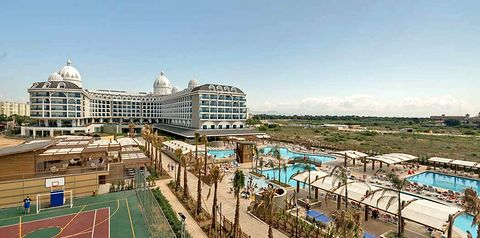 obiekt, teren hotelu, basen, korty tenisowe, rozrywka