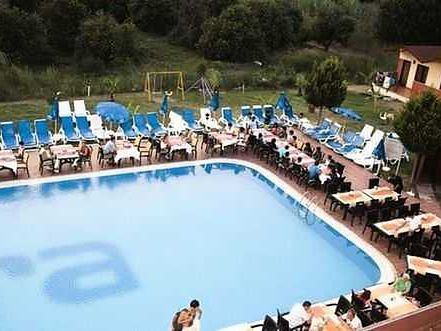 Aura Resort