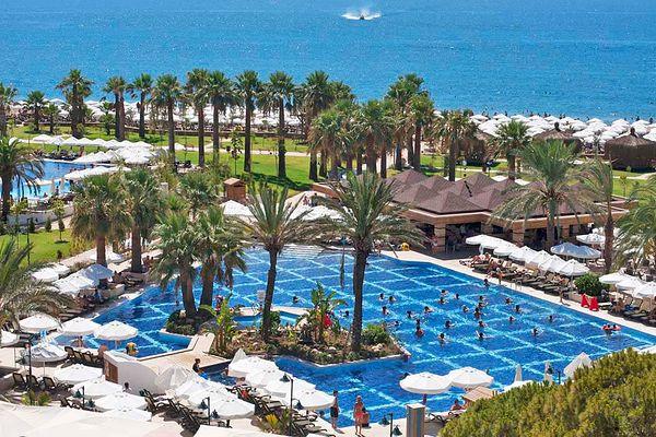 Crystal Tat Beach Golf Resort