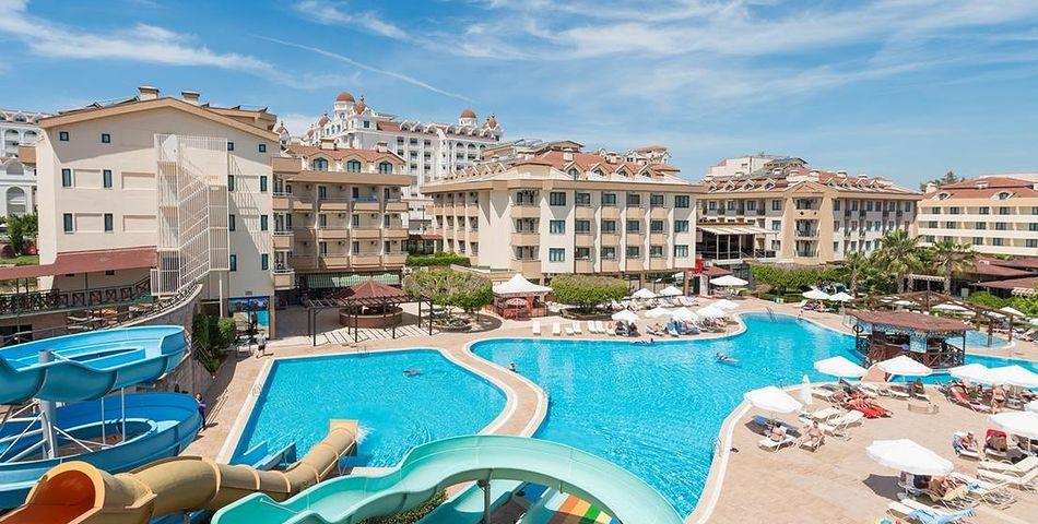 teren hotelu, basen, aquapark