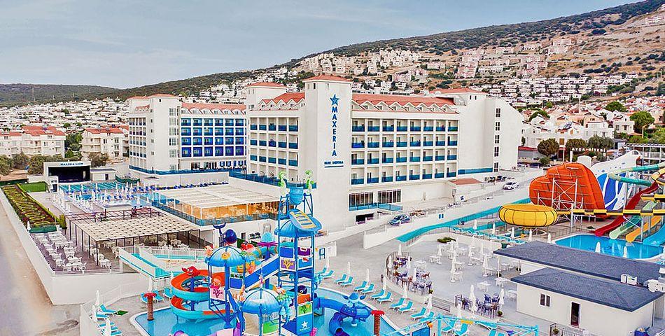 obiekt, budynek główny, basen, zjeżdżalnia, dla dzieci