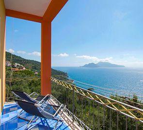 Ap. Don Luigino - Capri View