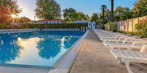 basen, taras słoneczny