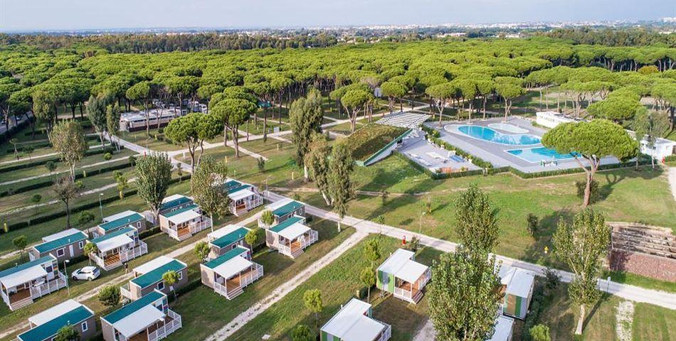 bungalowy, teren hotelu, basen