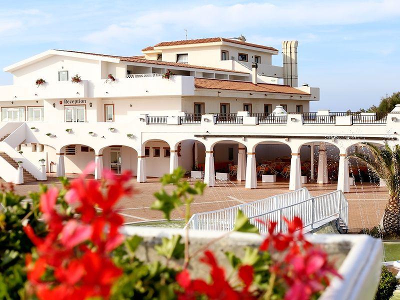 La Plage Noire Hotel & Resort